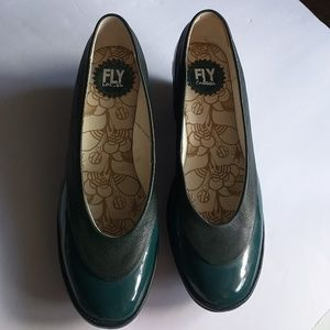 Fly London wedge Green shoes❤️great condition